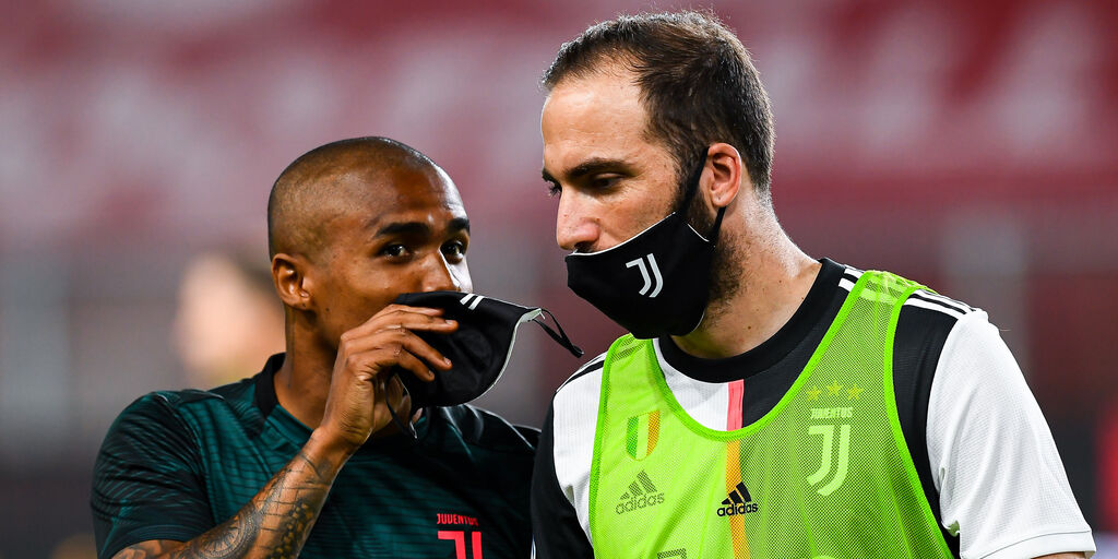 Juventus, Douglas Costa ai saluti. Tonerà al Gremio