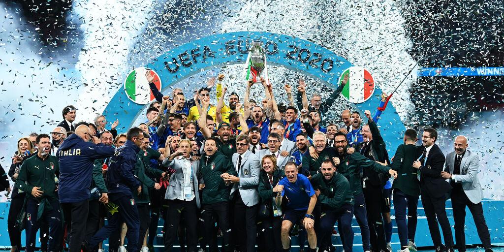 Disordini Inghilterra-Italia, si muove la Uefa: il comunicato